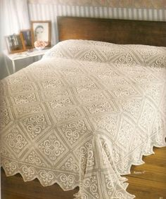 Crochet bedspread - see free chart…. Crochet Bedspread Pattern, Crochet Quilt, Afghan Crochet Patterns, Crochet Home, Crochet Table Runner, Crochet Tablecloth, Crochet Doilies, Free Crochet Square, Crochet Square Blanket