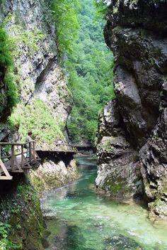 Savica Waterfall, Slovenia Vacation Places, Dream Vacations, Places To Travel, Places To See, Travel Destinations, Europa Tour, Bohinj, Beautiful Places In The World, Paradis