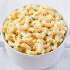 The best, easiest, creamiest Mac n' Cheese that takes just 30 minutes to make!