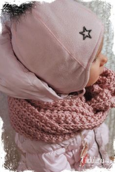 Tilduliinu: Lapsen tuubihuivit ja amigurumi hiiri Benetton, Scarves, Winter Hats, Beanie, Knitting, Crochet, Kids, Fashion, Projects