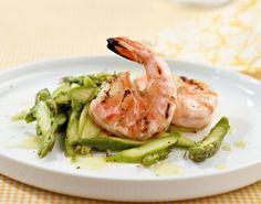 Rezept für Spargelsalat mit Garnelen bei Essen und Trinken. Ein Rezept für 4 Personen. Und weitere Rezepte in den Kategorien Gemüse, Gewürze, Meeresfrüchte, Schalen- und Krustentiere, Vorspeise, Salate, Grillen, Einfach.