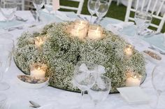 Baby's breath & candles Wedding Reception Design, Rustic Wedding, Wedding Dreams, Dream Wedding, Gypsophila Wedding, Yellow Theme, Bridal Shower, Baby Shower, Beautiful Table Settings