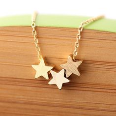 3star necklace in gold