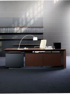 Office Table Look for trends in multi-coloured suites using wood, soft touch leather and glas. Small Office Design, Office Table Design, Workspace Design, Office Interior Design, Office Interiors, Office Decor, Office Designs, Office Ideas, Modern Interior