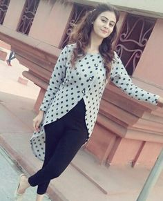 @sardarniii Salwar Designs, Kurti Neck Designs, Dress Neck Designs, Kurti Designs Party Wear, Blouse Designs, Stylish Dresses, Fashion Dresses, Kurti With Jeans, Fancy Kurti