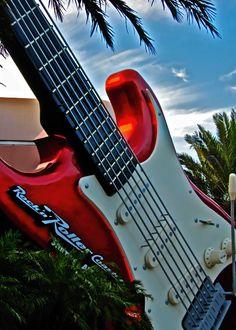 Rock 'n' Roller Coaster Starring Aerosmith at Hollywood Studios - Disney World.  #Orlando #Attractions #RollerCoaster