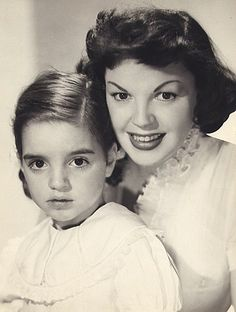 Judy Garland and her daughter Liza Minnelli (1951)