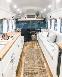 bus 🚌 clean and fresh for the weekend ahead! ———— Skoolie peeps 🚌💨 showcase your bus & be our VIP guest at the Tiny Living Festivals. signup today link in bio👆// Richmond, CA. School Bus Tiny House, School Bus House, Post Bus, Bus Remodel, Converted School Bus, Bus Living, Tiny Living, Van Home, Bus Life