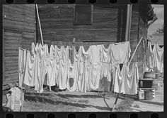 Clothesline, Winton, Minnesota. Photo by Russell Lee