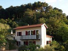 Maison niçoise avec jardin et piscineLocation de vacances à partir de Port de Nice @homeaway! #vacation #rental #travel #homeaway