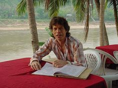 Show your favourite Mick Jagger fotos.