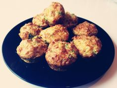 Now the summer is officiallyhere we have been enjoying lots of lunchtime picnics both in the garden and at the park so I thought I'd share this simple savoury broccoli and cheese muffins recipe which is always a hit with even the most fussie...
