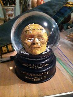 OBSCURA! Mummy Head Snow Globe!