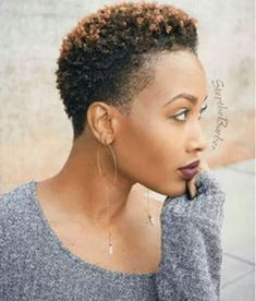 Coupe Courte Feminine Cheveux Courts Coiffure Afro Cheveux