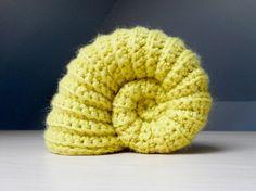 Get the FREE pattern from Crochet Global Hyper Mega Net.