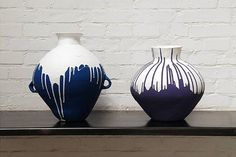 blue and white china by Ai Weiwei Ai Weiwei, Ceramic Pottery, Ceramic Art, Colored Vases, Modern Ceramics, Ceramics Ideas, Artwork Images, Modern Artists, Chinese Art
