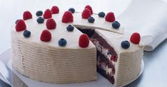50 års fødselsdagskage med lakrids og bær - BO BEDRE