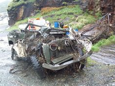 crash test Car Dump, Learning To Drive, Off Road, Car Crash, Vintage Trucks, Land Rover Defender, Range Rover, Abandoned Places, Vintage Photos