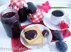 No sugar plum jam Plum Jam, Romanian Food, Chocolate Fondue, Jelly, Waffles, Dips, Spices, Frozen, Sugar
