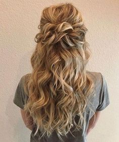 Beautiful Half Down Half Up Braided Hairstyle with curls - Beginning with something beautiful hair down from soft and romantic, to classic with modern twist these romantic wedding hair down hairstyles with gorgeous,Gorgeous Ways To Wear Your Hair Down For Romantic Wedding Hair, Wedding Hair Down, Wedding Hair And Makeup, Wedding Curls, Hair Down For Prom, Romantic Weddings, Hairstyle Wedding, Homecoming Hair Down, Formal Hair Down