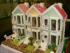 Check out these fantastic Gingerbread townhomes! Imagination is really everything when it comes to creating homes from Gingerbread. These Victorian Gingerbread Gingerbread House Pictures, Cool Gingerbread Houses, Gingerbread Village, Christmas Gingerbread House, Christmas Home, Christmas Cookies, Christmas Holidays, Christmas Crafts, Christmas Decorations