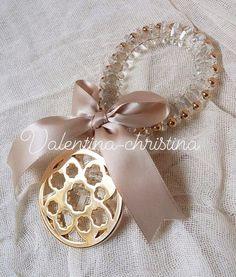 Πρωτότυπες μπομπονιέρες γάμου μεταλλικό λουλούδι δεμένο με κρυσταλλακια by valentina-christina handmade products 2105157506 Brooch, Jewelry, Jewlery, Bijoux, Jewerly, Jewelery, Jewels, Accessories