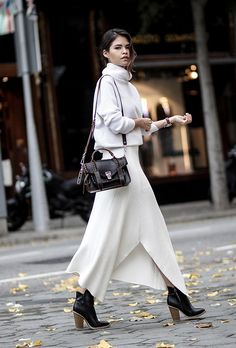 Lovely all-white outfit. I adore the ease and polish of this outfit. x