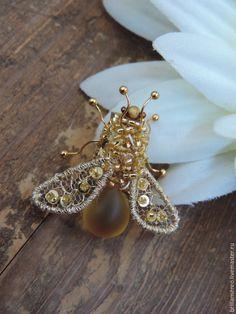Купить Мушка-янтарное брюшко - золотой, насекомые, муха, мушка, пчела, пчелка, брошь