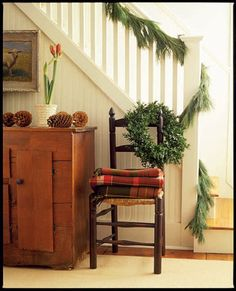 Christmas Garlands - Decorating with Holiday Garlands - Country Living