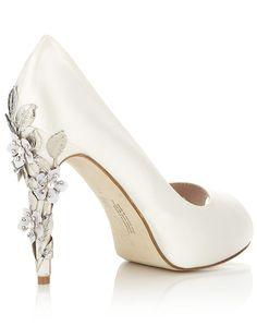 Elegant Peep Toe Pump Wedding Gowns 92311e70622e