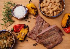 Get ready to make a big party and cook a tasty and juicy arrachera with all your friends. The arrachera is a thick steak, of strong flavor and very juicy that everybody will like.