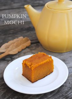 I'm so glad fall has arrived.  To me it means cooler weather, curling up on the couch knitting, and lots of baking.   And  speaking of baking, one of my favorite recipes to make is pumpkin mochi. It's a cross between mochi and pumpkin pie without the crust.