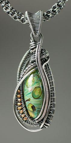 Wire Woven Oval Bead Pendant with Kaska Firor | #BeadFestSpring #weaving #wire #jewelry