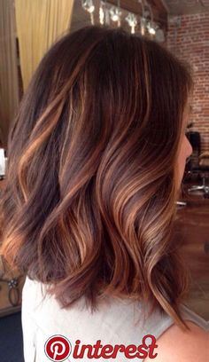 6 hair color trends 2019 for dark skin that looks younger - hair - . Hair Color Auburn, Hair Color Dark, Cool Hair Color, Fall Hair Colour, New Hair Color Trends, Hair Trends, Colour Trends, Makeup Trends, Cabelo Ombre Hair