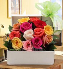 Flores para Colombia - Cumpleaños-Para Mamá Flower Decorations, Flowers, Plants, Roses, Bulldogs, Amazing, Happy Brithday, Farm Party, Flower Arrangements Simple