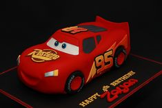 Lightning Mcqueen Cake - all fondant Lightning Mcqueen Party, Lightening Mcqueen, Lighting Mcqueen Cake, Mater Cake, Fondant Flower Cake, Fondant Bow, Fondant Tutorial, Fondant Cakes, Pig Birthday Cakes