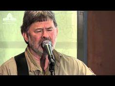 John Schumann performs at the Australian War Memorial - YouTube