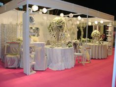 Red Floral Architecture at The UK Wedding Shows 2011 Manchester Central, Wedding Show, Table Decorations, Architecture, Floral, Red, Home Decor, Arquitetura, Decoration Home