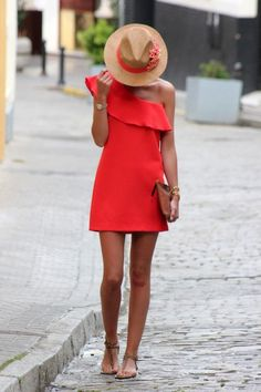 Gorgeous Little Red Dress Style Estate Fashion Mode, Look Fashion, Dress Fashion, Trendy Fashion, Fashion Clothes, Fashion Hair, Fashion 2017, Street Fashion, Fasion
