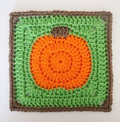 Crochet Pumpkin Granny Square - Repeat Crafter Me Motifs Granny Square, Granny Square Pattern Free, Granny Square Bag, Crochet Granny Square Afghan, Granny Square Crochet Pattern, Granny Squares, Crochet Blocks, Square Blanket, Bag Crochet