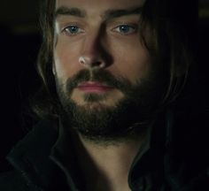 Tom Mison as Ichabod Crane | Tom Mison sleepy hollow