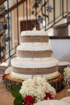 Love the wood round!  We have these!  www.sawyerfamilyfarmstead.com  Burlap Wedding Cake