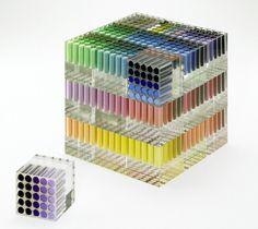 サクラクレパス90周年記念、700色のクレパスセット///綺麗ですねえ