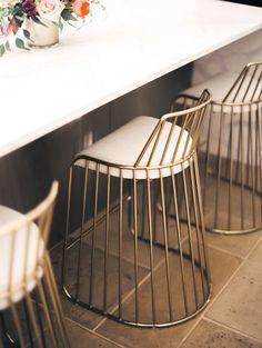 A versatilidades dos bancos na decoração  #décor #Decoração #Design #Styling