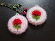 Fur Slides, Friendship Bracelets, Crochet, Floral, Flowers, Ganchillo, Crocheting, Royal Icing Flowers, Knits