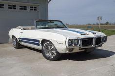 """I Dream of Jeannie"" 1969 Pontiac Firebird"