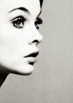 Retro lashes and black & white photography - an amazing vintage vibe!