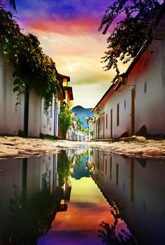 Paraty, Rio de Janeiro - is a preserved Portuguese colonial (1500–1822) and Brazilian Imperial (1822–1889) town. It is located on the Costa Verde (Green Coast), a lush, green corridor that runs along the coastline of the state of Rio de Janeiro, in Brazil. ~~~ Looks amazing. #PinUpLive