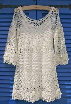 Vestido soltinho em crochê. Permite adaptações para bata ou blusa.