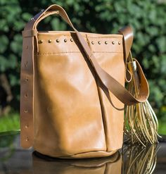 Handmade leather bucket bag Handmade Leather, Leather Craft, Leather Backpack, Bucket Bag, Backpacks, Crafts, Bags, Handbags, Leather Crafts